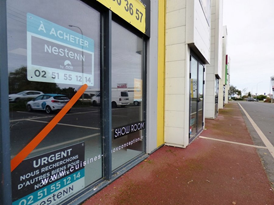 acheter local commercial 0 pièce 218 m² saint-gilles-croix-de-vie photo 1