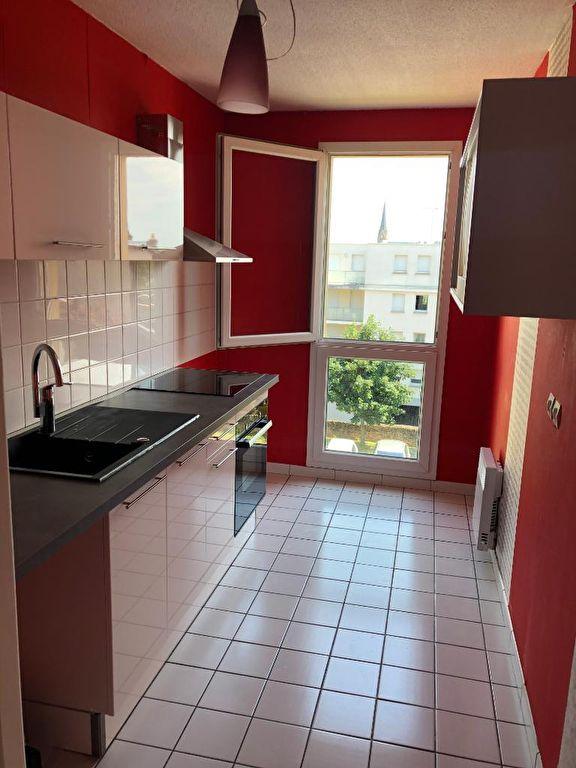 louer appartement 2 pièces 47.84 m² metz photo 2