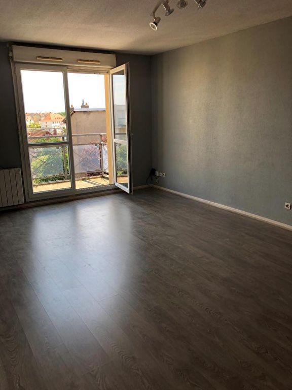 louer appartement 2 pièces 47.84 m² metz photo 5