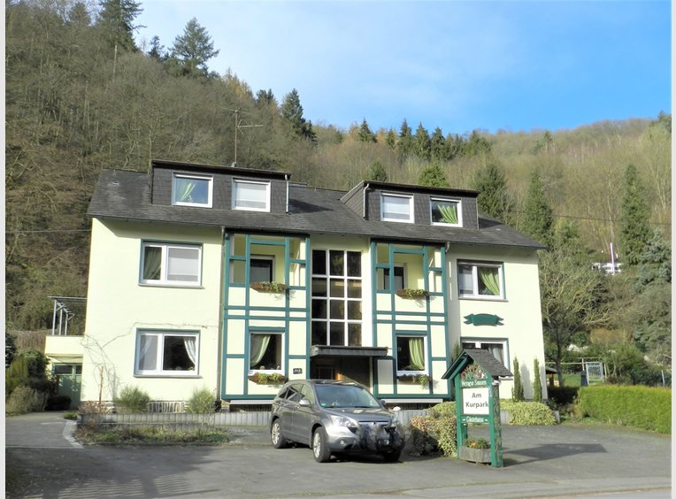 Investment building for rent 18 rooms in Traben-Trarbach (DE) - Ref. 7098007