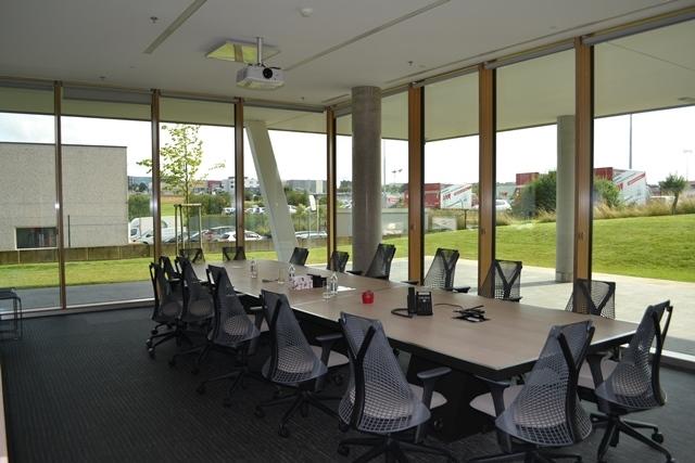 louer bureau 0 chambre 60 m² leudelange photo 1