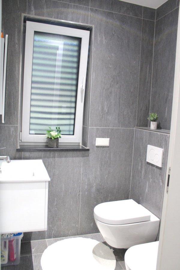 Maison jumelée à vendre 5 chambres à Schieren