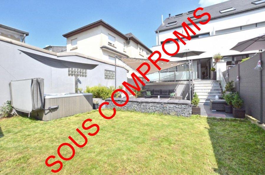 Maison jumelée à vendre 6 chambres à Dudelange
