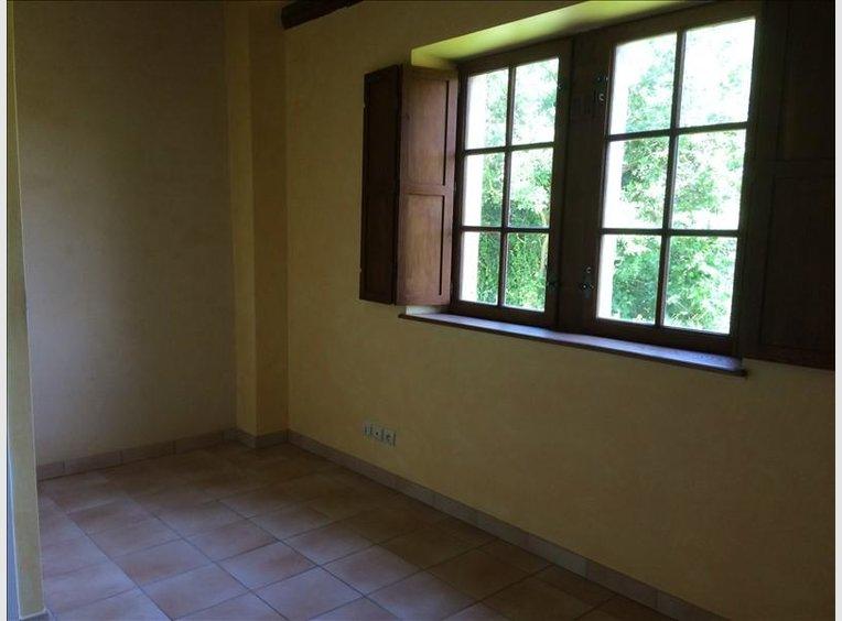 location appartement f3 pinal vosges r f 5352935. Black Bedroom Furniture Sets. Home Design Ideas
