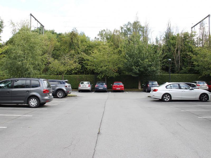 louer garage ouvert 0 pièce 0 m² ottignies-louvain-la-neuve photo 1