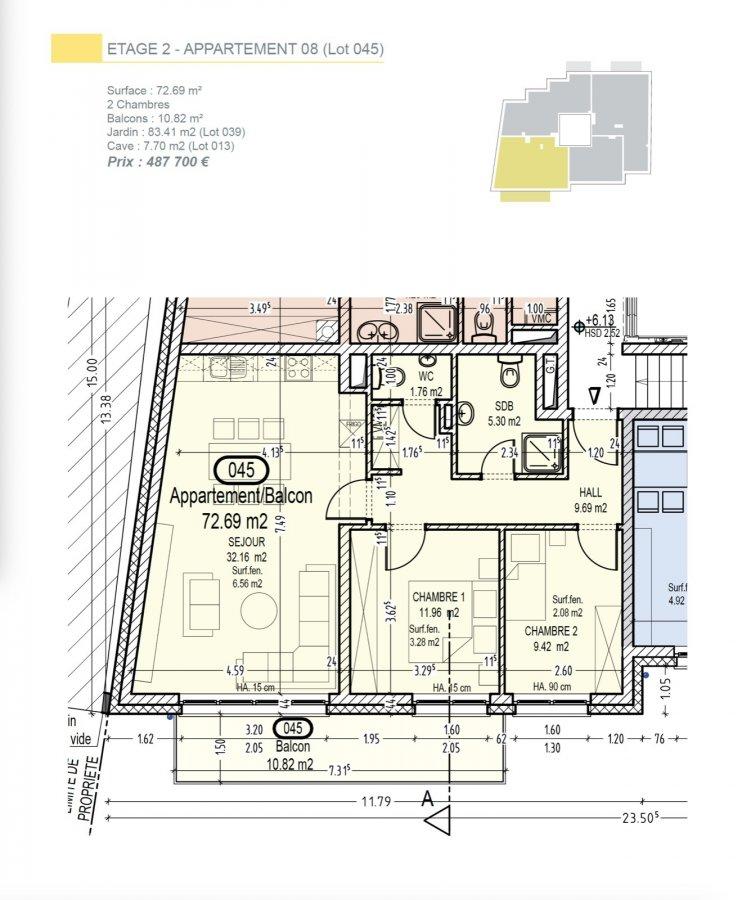 Votre agence IMMO LORENA de Pétange vous propose dans une résidence contemporaine en future construction de 13 unités sur 4 niveaux située à Rodange, 45 chemin de Brouck 1 appartement de 72.69 m2 au DEUXIEME ETAGE avec ascenseur décomposé de la façon suivante:  - Hall d'entrée de 9.69 m2 - Salle de bain de 5.30 m2 - Un WC sépare de 1,76 m2 - Cuisine ouverte et salon de 32,16 m2 donnant accès au balcon de 10.82 m2. - Une première chambre de 11,96 m2, une deuxième chambre de 9,42 m2 - Une cave privative, un emplacement pour lave-linge et sèche-linge au sous sol et son jardin privatif de 83,41 m2. Possibilité d'acquérir un emplacement intérieur (25.000 €) ou un garage fermé intérieur (35.000€).  Cette résidence de performance énergétique AB construite selon les règles de l'art associe une qualité de haut standing à une construction traditionnelle luxembourgeoise, châssis en PVC triple vitrage, ventilation double flux, chauffage au sol, video - parlophone, système domotique, etc... Avec des pièces de vie aux beaux volumes et lumineuses grâce à de belles baies vitrées.  Ces biens constituent entres autre de par leur situation, un excellent investissement. Le prix comprend les garanties biennales et décennales et une TVA à 3%. Livraison prévue septembre 2021.  Pour tout contact: Joanna RICKAL +352 621 36 56 40 Vitor Pires: +352 691 761 110   L'agence Immo Lorena est à votre disposition pour toutes vos recherches ainsi que pour vos transactions LOCATIONS ET VENTES au Luxembourg, en France et en Belgique. Nous sommes également ouverts les samedis de 10h à 19h sans interruption.