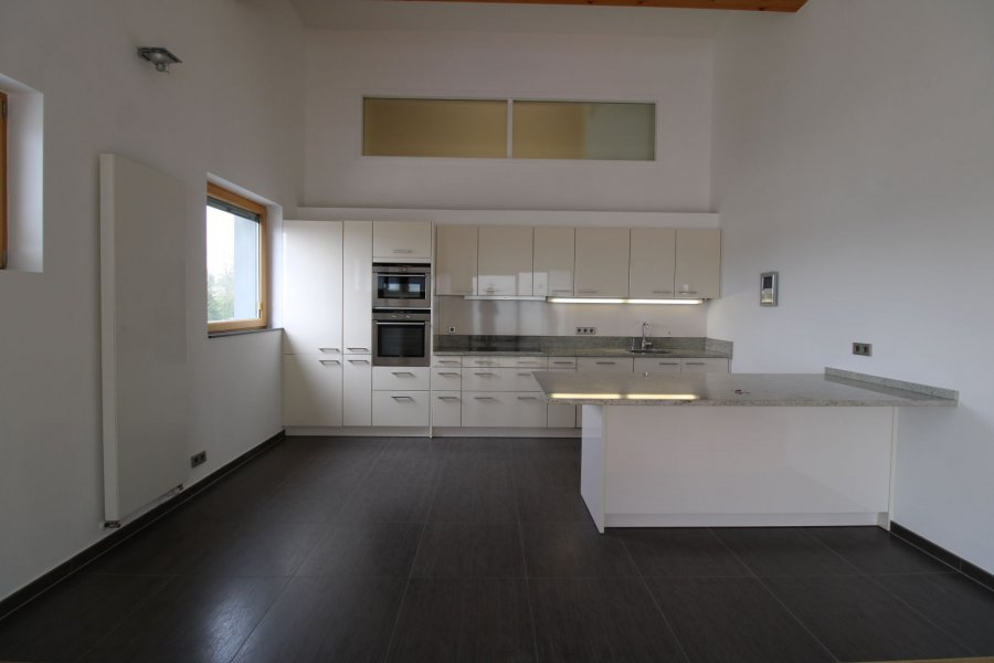 penthouse for rent 4 bedrooms 250 m² strassen photo 2
