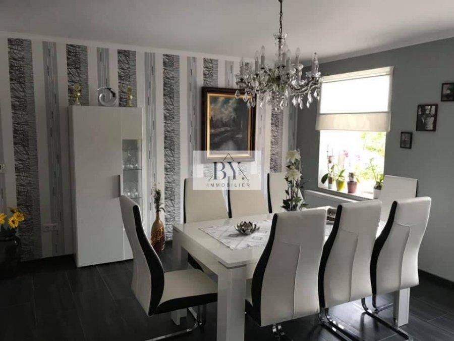 Immeuble de rapport à vendre 8 chambres à Scheidgen