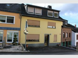 Terraced for sale 7 rooms in Hüttingen - Ref. 7135256