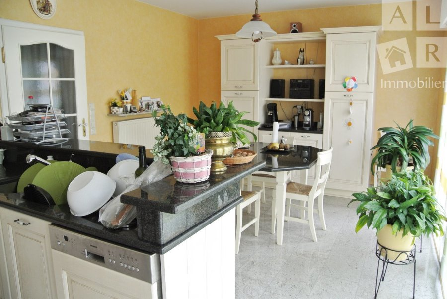 Maison à vendre 5 chambres à Leudelange
