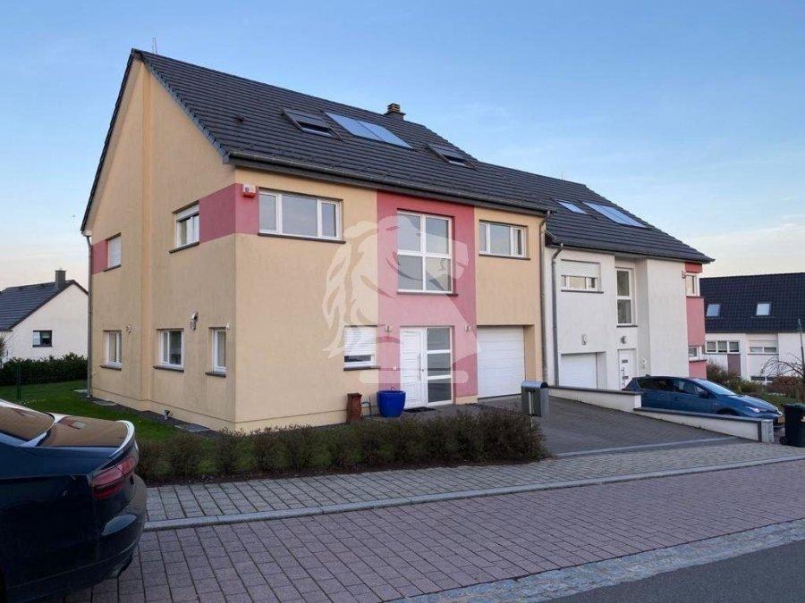 louer maison jumelée 4 chambres 205 m² junglinster photo 1
