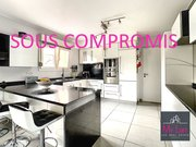 Detached house for sale 4 bedrooms in Mont-Saint-Martin - Ref. 6611752
