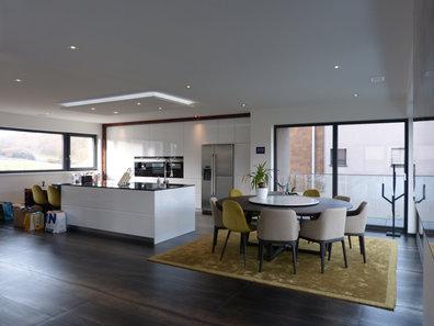 Villa for rent 4 bedrooms in Roeser - Ref. 7096104
