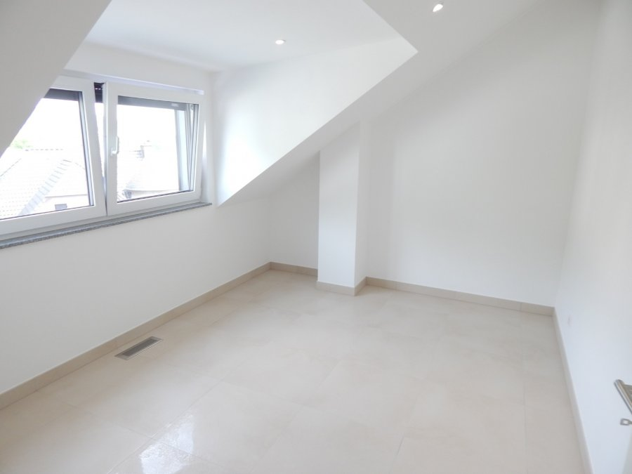 Duplex à louer 3 chambres à Lorentzweiler