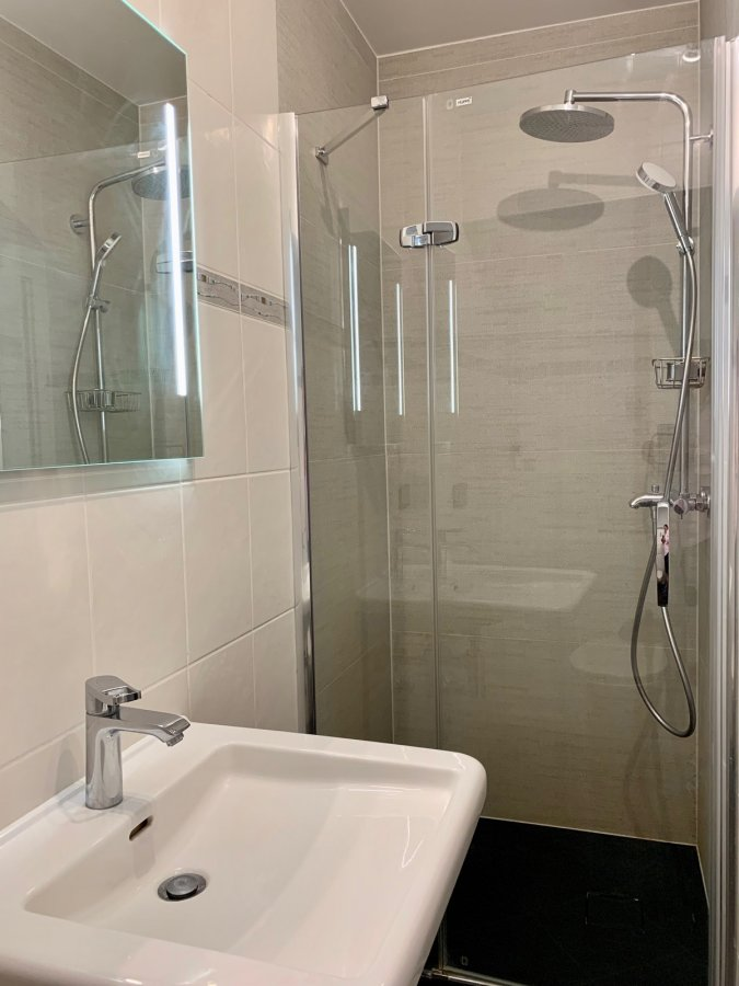 Appartement à louer 3 chambres à Luxembourg-Cents