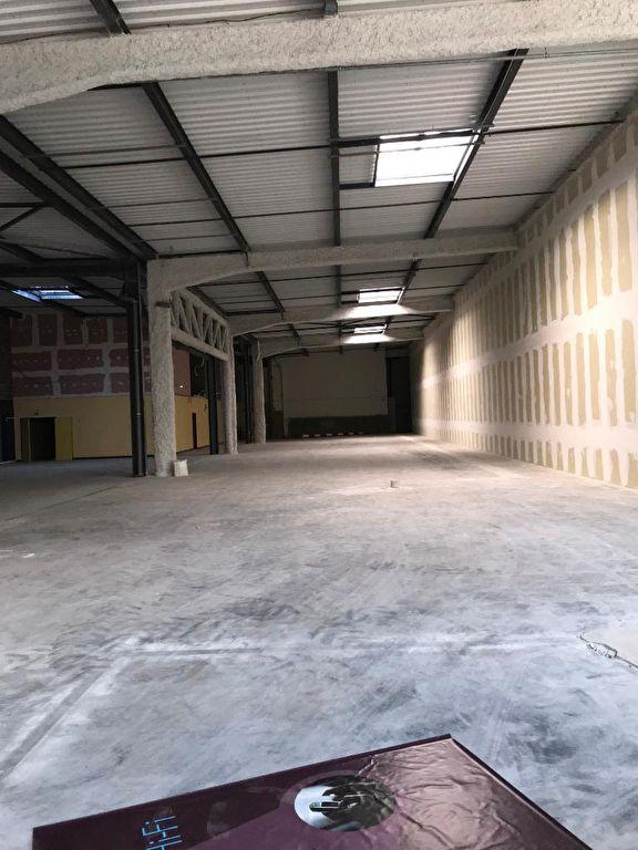 louer local commercial 0 pièce 1241 m² metz photo 3