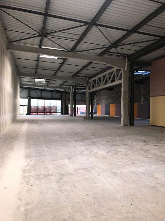 louer local commercial 0 pièce 1241 m² metz photo 2