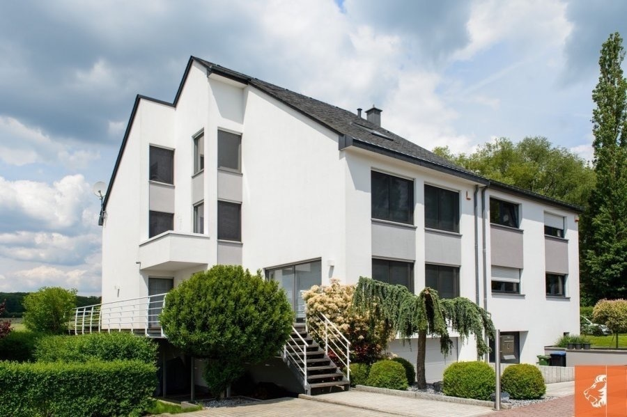 acheter maison jumelée 6 chambres 310 m² contern photo 1