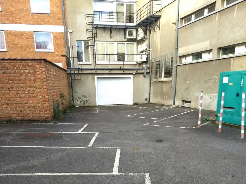 louer garage ouvert 0 pièce 0 m² namur photo 1