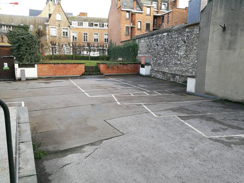 louer garage ouvert 0 pièce 0 m² namur photo 3