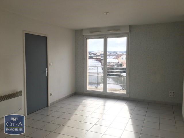 wohnung mieten 2 zimmer 54 m² golbey foto 1