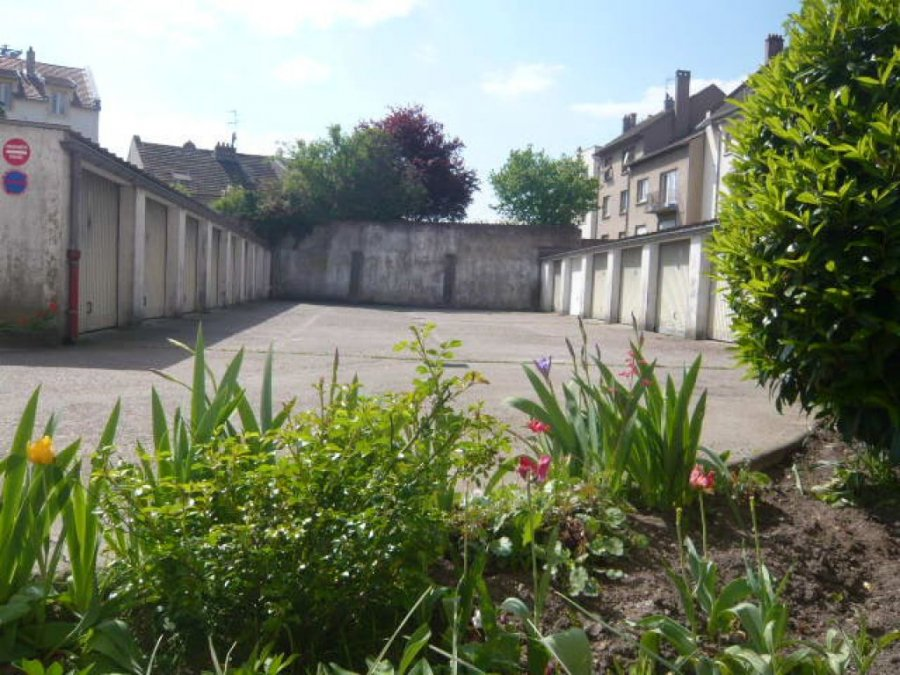 louer garage-parking 0 pièce 0 m² metz photo 1