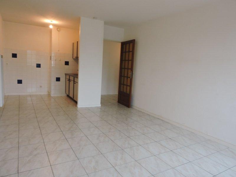 louer appartement 2 pièces 47 m² valmont photo 1