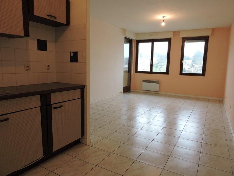 louer appartement 2 pièces 47 m² valmont photo 2