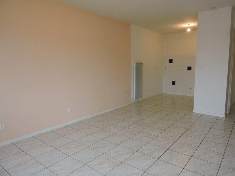 louer appartement 2 pièces 47 m² valmont photo 3