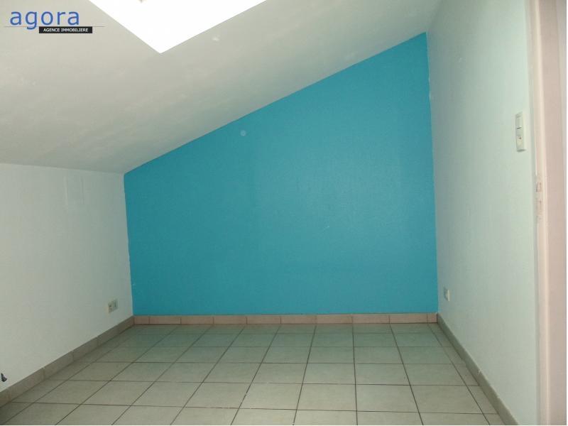 Appartement à louer F3 à Avril