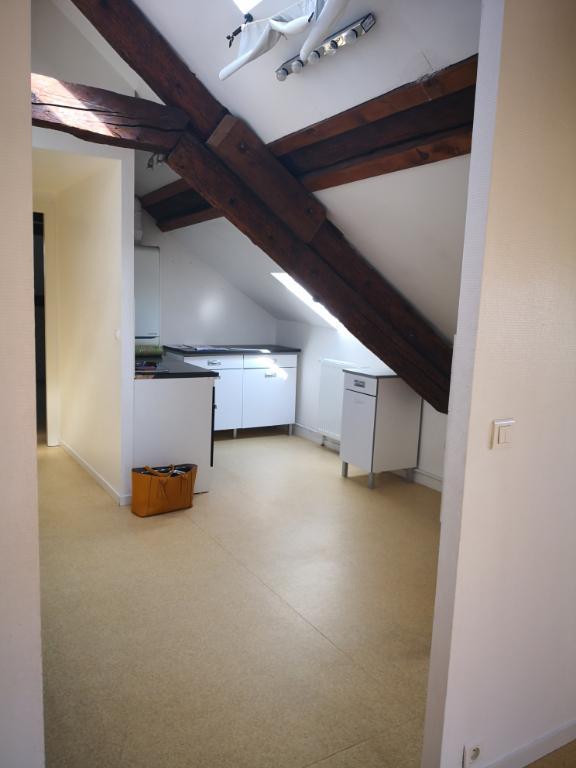 Appartement à louer F4 à Jouy aux arches
