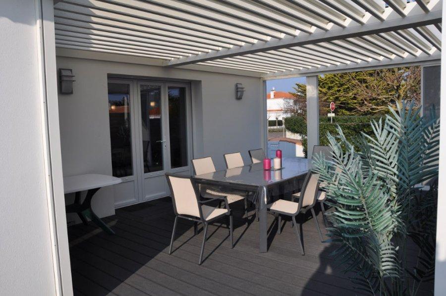 Maison en vente saint gilles croix de vie 128 m 525 for Acheter cuisine equipee