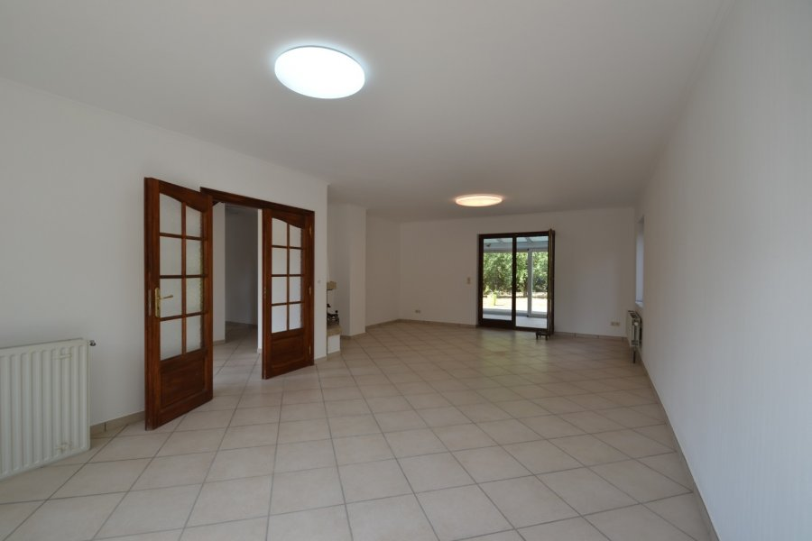 Maison individuelle à louer 4 chambres à Pontpierre