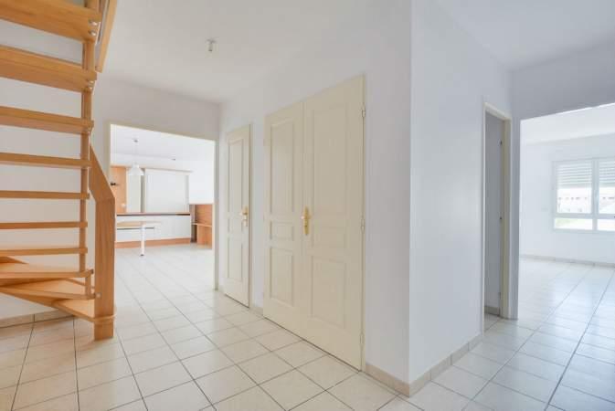 louer appartement 5 pièces 130 m² essey-lès-nancy photo 3