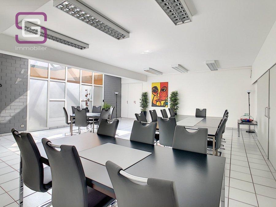 louer bureau 0 chambre 50 m² strassen photo 7