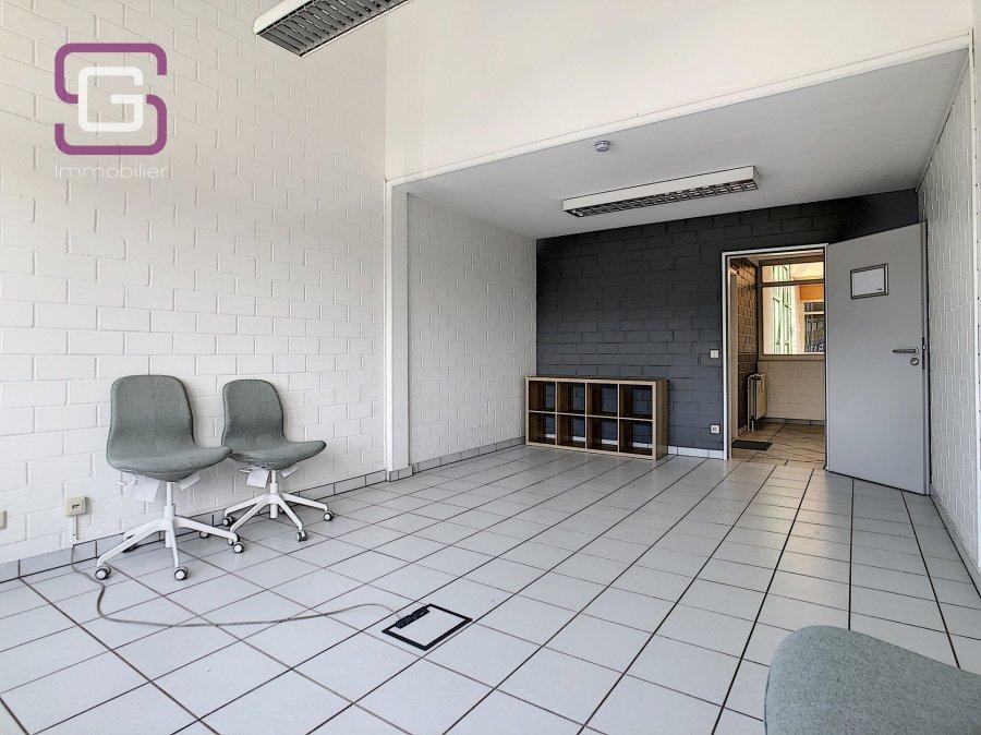 louer bureau 0 chambre 50 m² strassen photo 3