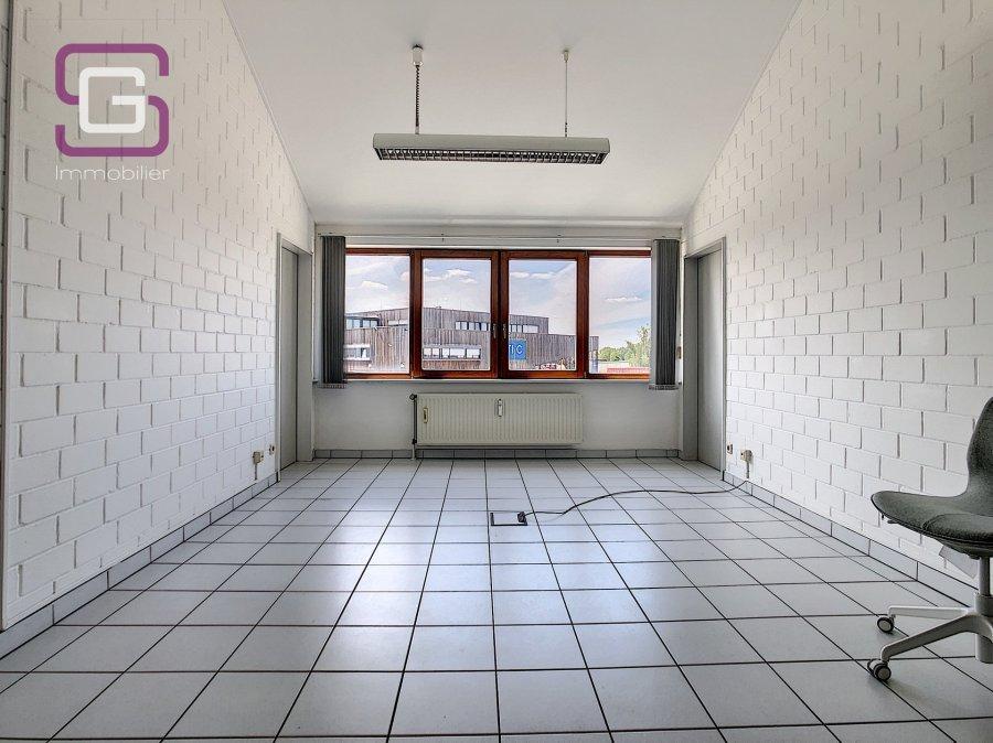 louer bureau 0 chambre 50 m² strassen photo 2