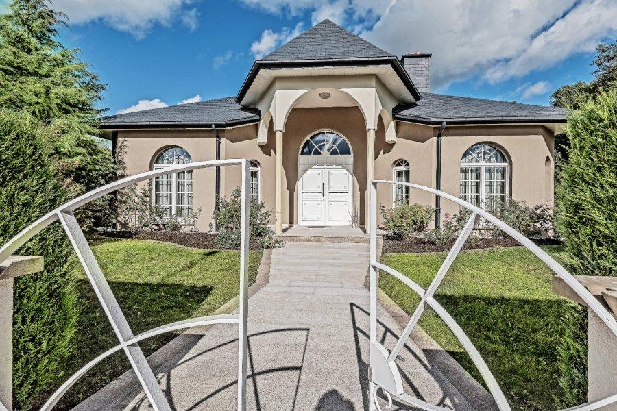acheter maison 5 chambres 225 m² moutfort photo 1