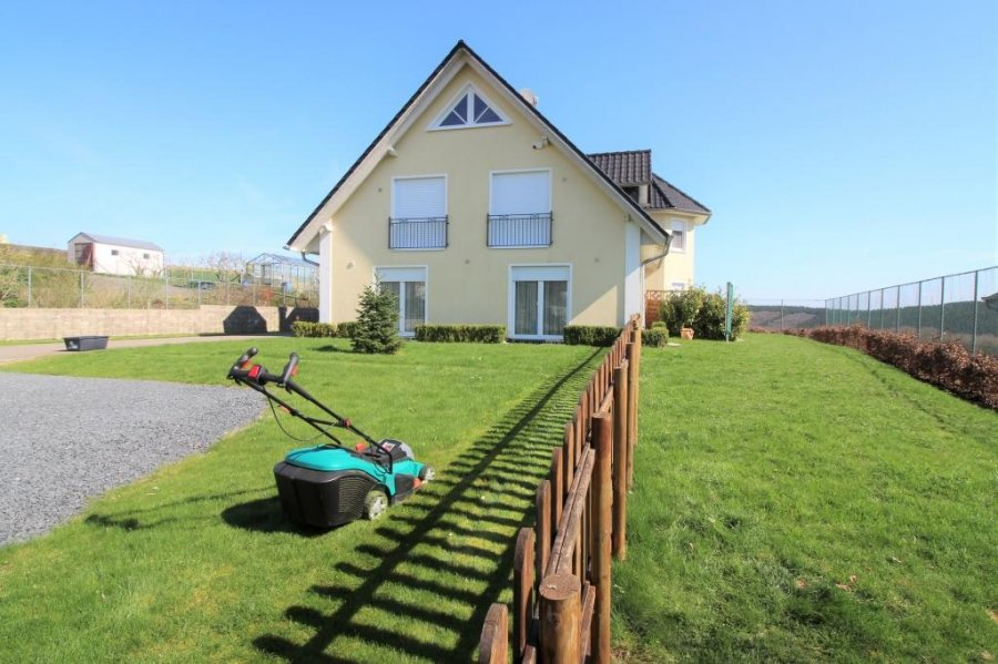 Attractive Detached House For Rent 5 Bedrooms 240 M² Knaphoscheid Photo 2