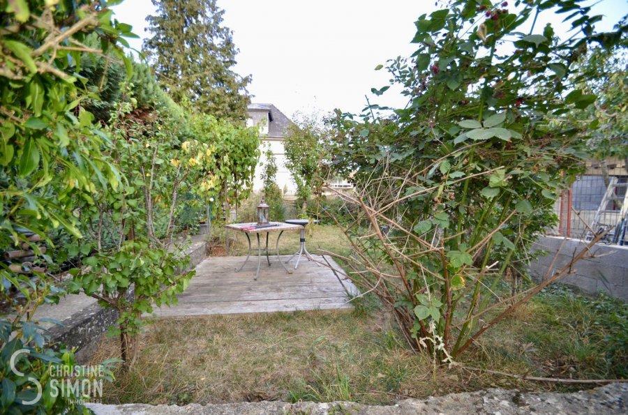 Maison mitoyenne à vendre 5 chambres à Kayl