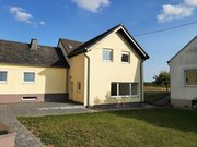 Semi-detached house for rent 4 rooms in Bitburg - Ref. 6892185
