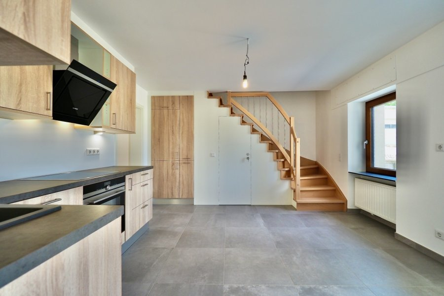 louer maison jumelée 4 chambres 160 m² pissange photo 2