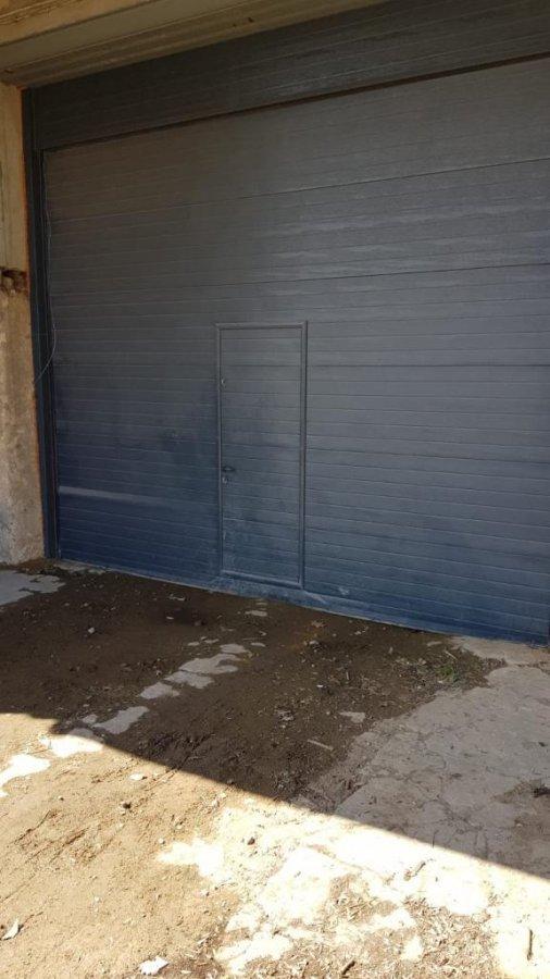 louer entrepôt 0 chambre 200 m² leudelange photo 2
