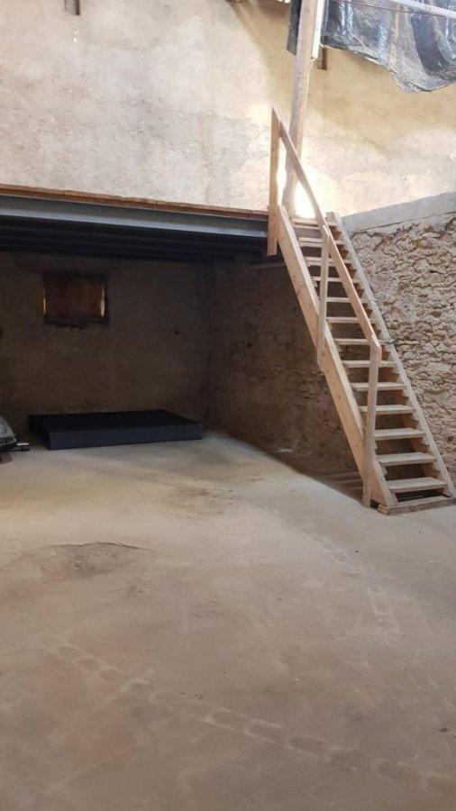 louer entrepôt 0 chambre 200 m² leudelange photo 3