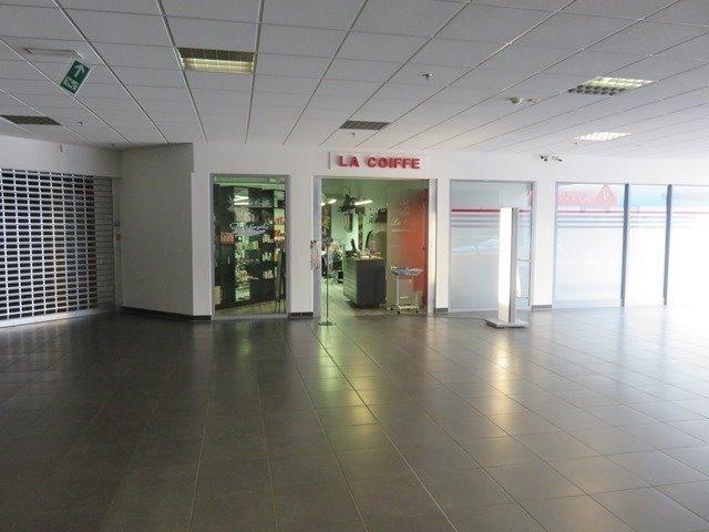 louer local commercial 0 chambre 153.78 m² mertert photo 2