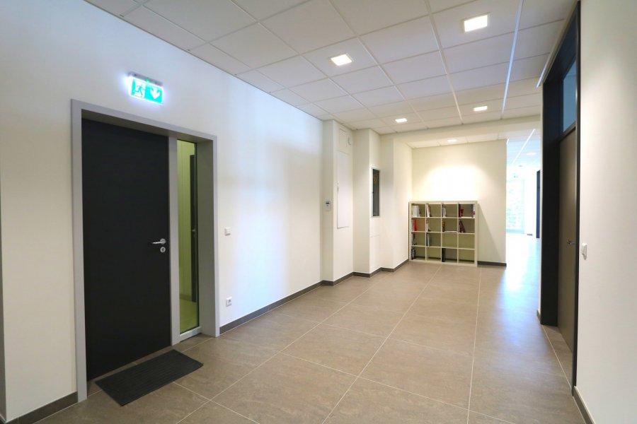 louer bureau 0 chambre 40 m² steinsel photo 1