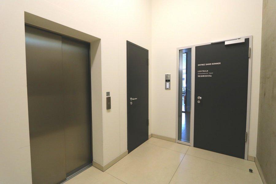 louer bureau 0 chambre 40 m² steinsel photo 5