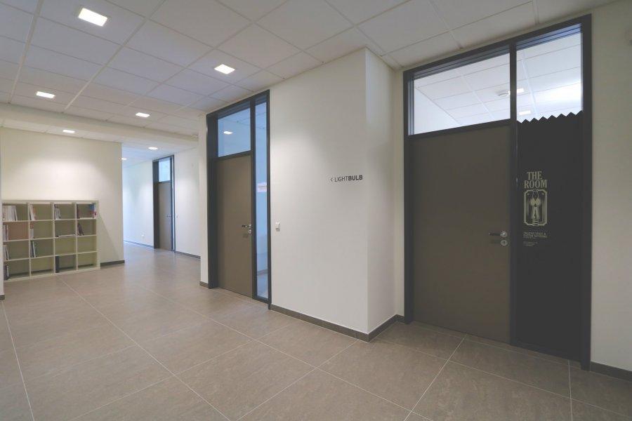 louer bureau 0 chambre 40 m² steinsel photo 2