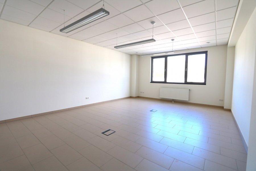 louer bureau 0 chambre 40 m² steinsel photo 3