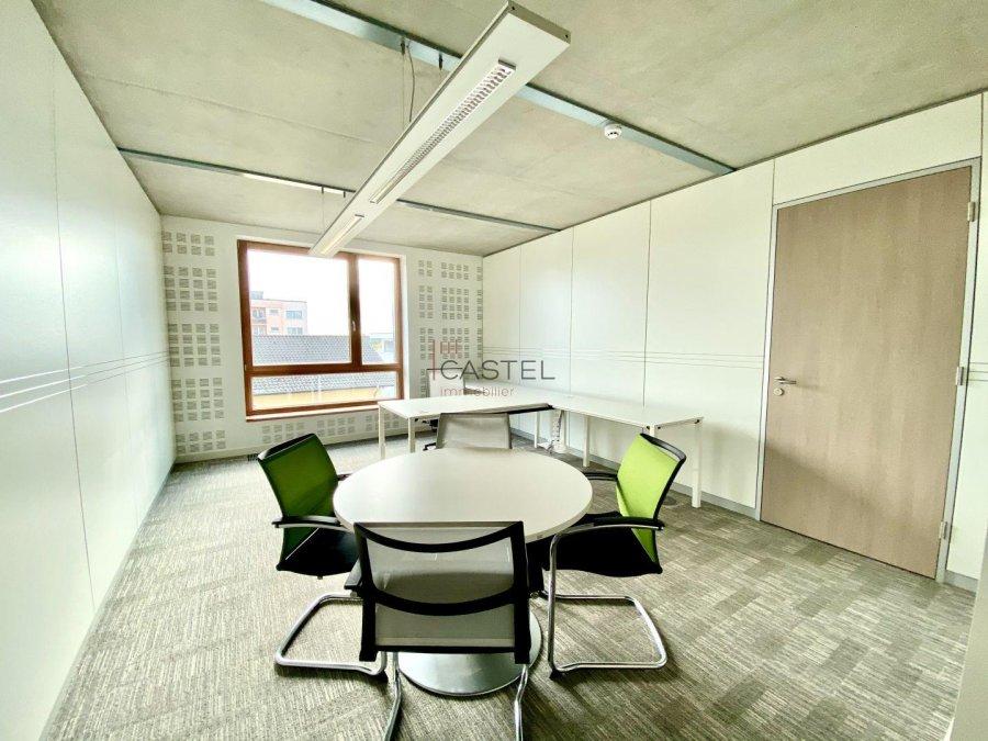 louer bureau 3 chambres 68.88 m² strassen photo 6